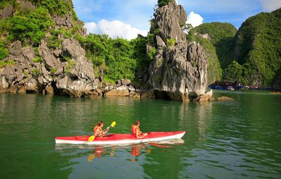 Hình ảnh của Chèo thyền Kayak hoạt động không thể thiếu khi đi du lị