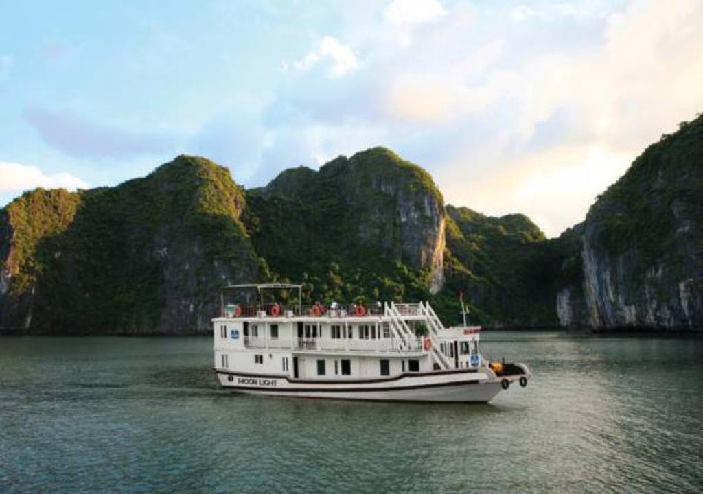 Hình ảnh của Tour Hạ Long 3 Ngày Ngủ Tàu Moonlight Cruise
