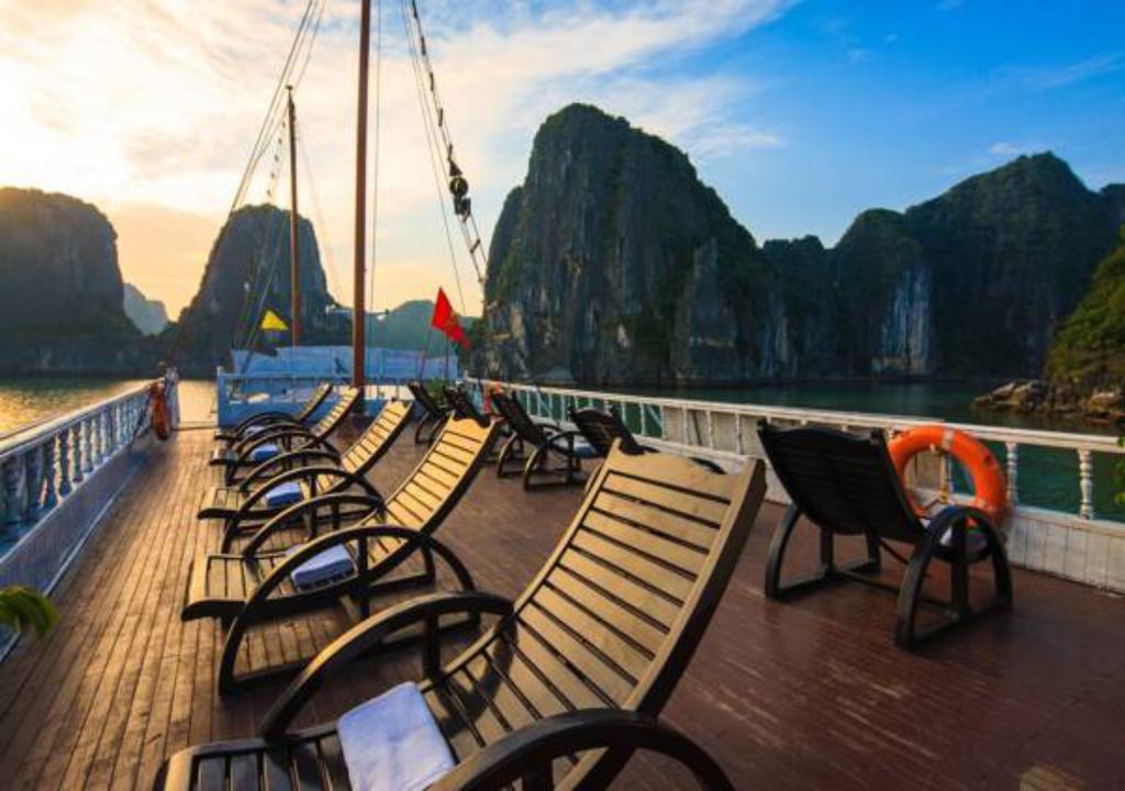 Hình ảnh của Tour Hạ Long 2 Ngày Ngủ Tàu Moonligt Cruise