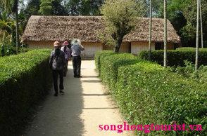 Tour Du Lịch Sầm Sơn Cửa Lò Quê Bác 3 ngày 2 đêm_images0